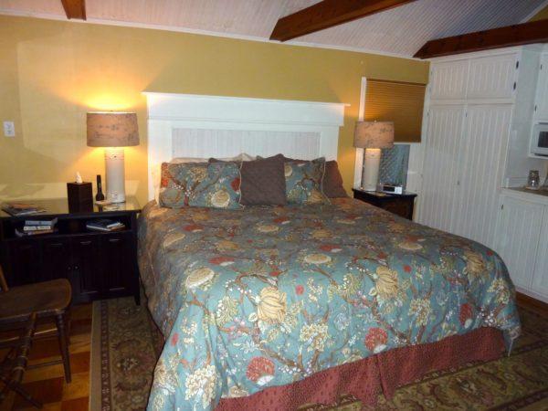 Back Creek Inn- room small
