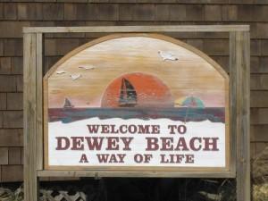 Deweybeachsign