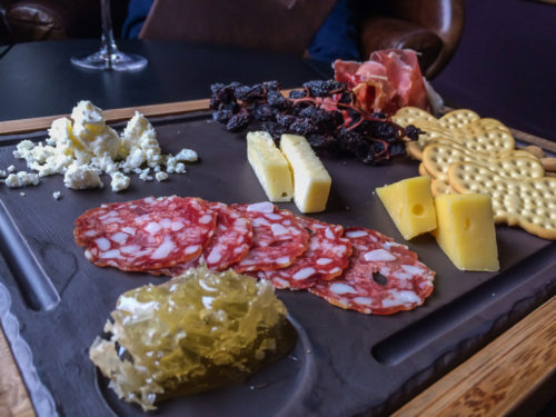 Omni Bedford Springs Review- Frontier Tavern Ploughman's Board